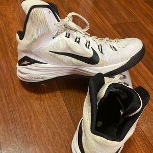 Nike women's hyperdunk shoes